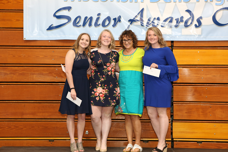 2018 Senior Awards Ceremony20180516_5 (6).jpg