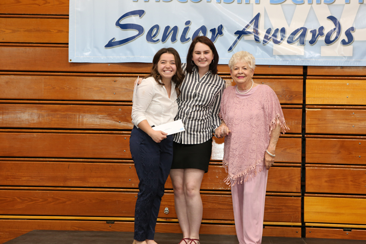 2018 Senior Awards Ceremony20180516_7 (1).jpg