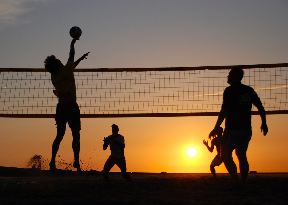 Beach Volleyball  by  Tim Geers  under licence  CC 2.0