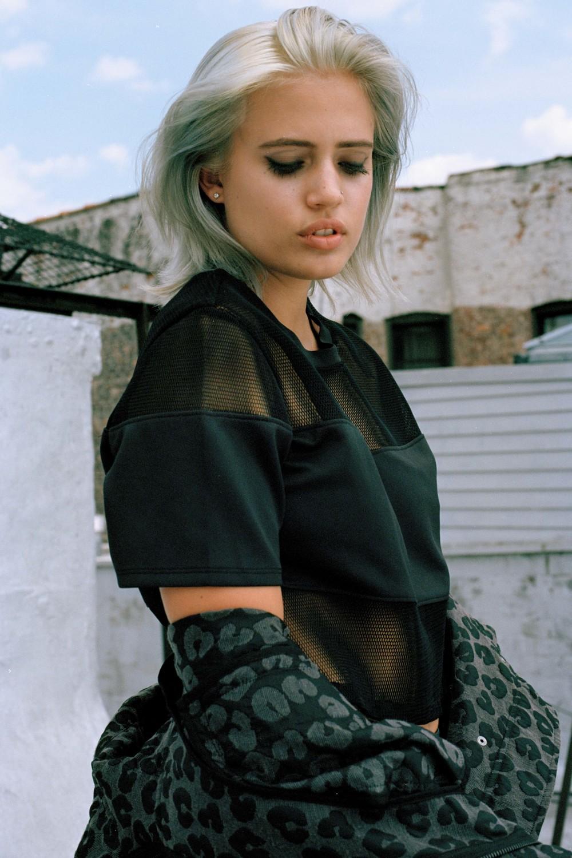 model STELLA DUVAL   photographer  RUFUS BARKLEY   mua  DANI TOMCZAK   wardrobe styling  NIK