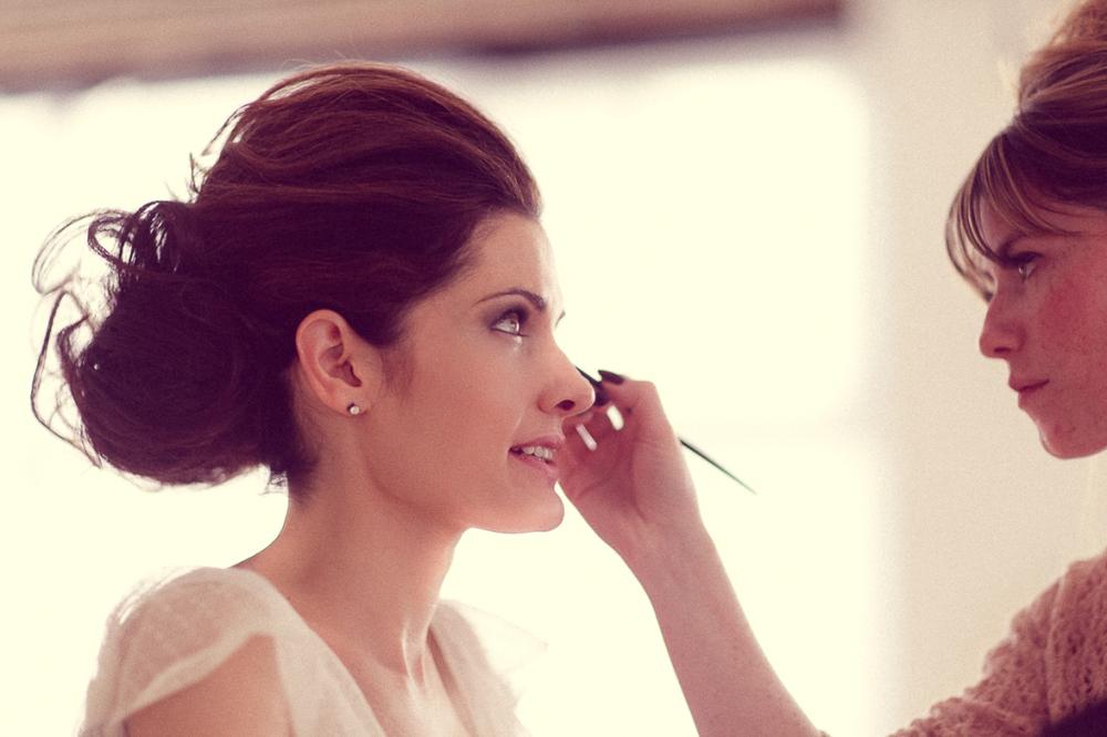 hiring a makeup artist for my wedding