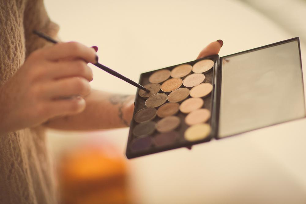 hiring a makeup artist for wedding day