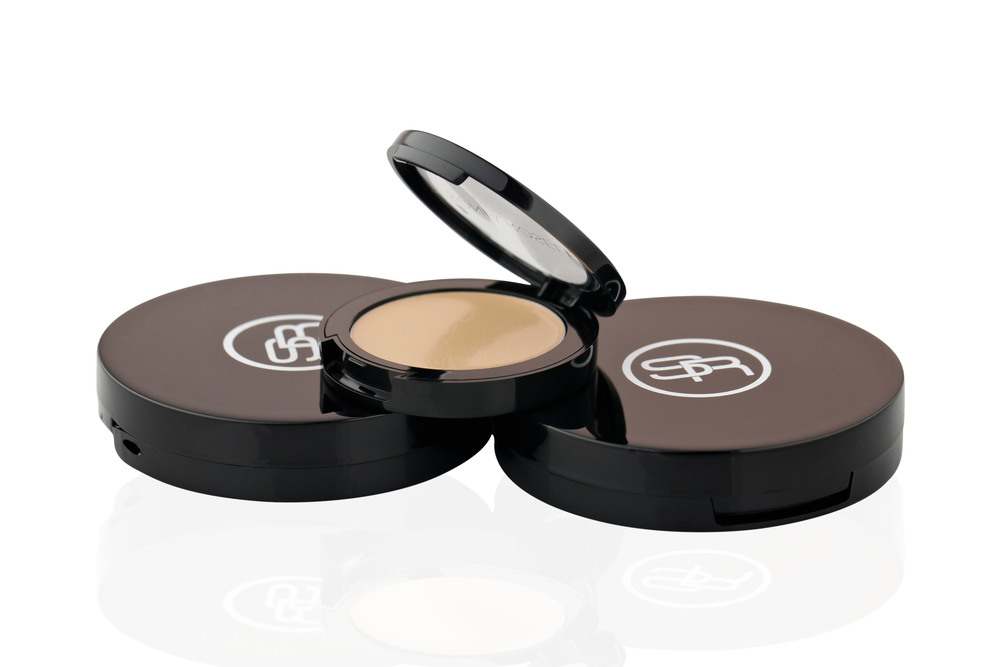 OUR SHADOW PRIMER IS ONE OF OUR BEST SELLING PRODUCT IN OUR STUDIO