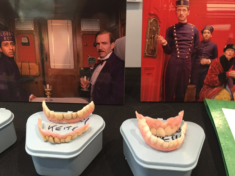 Harvey Keitel'steeth.....for his character Ludwig