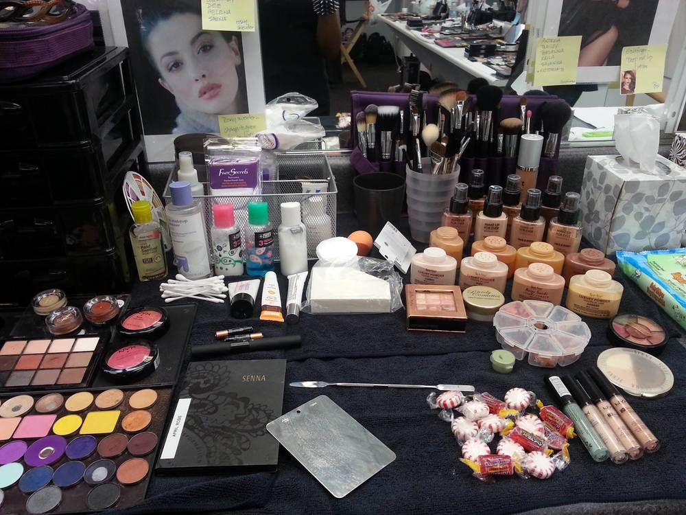 Fabulous Makeup Kit of April Ross