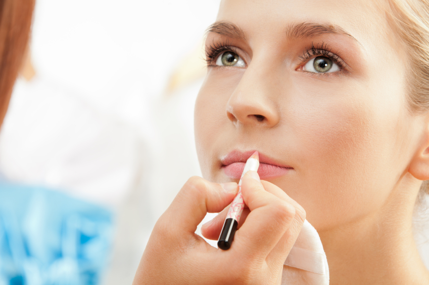 secrets to becoming a full time freelance makeup artist