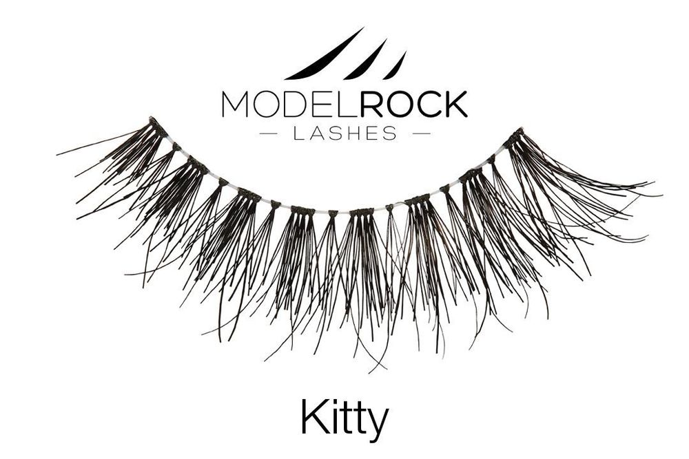 Model Rock Lashes in Kitty