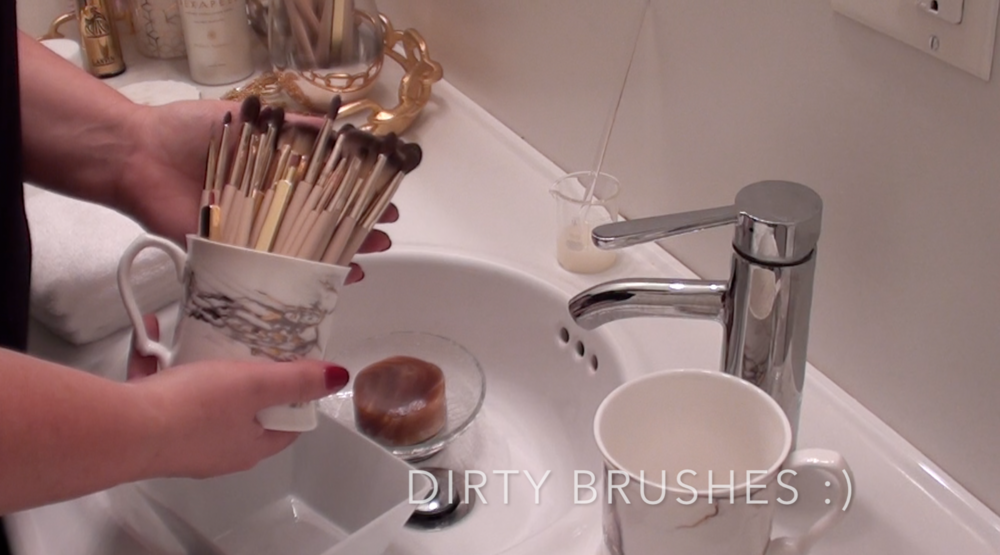 6. Dirty makeup brushes