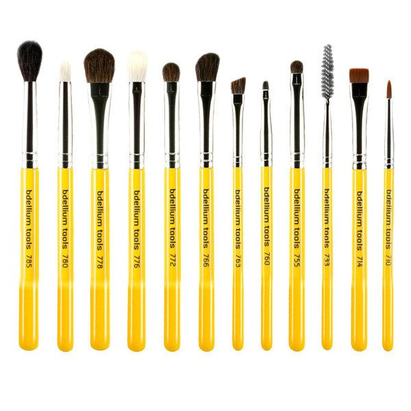 Bdellium toolshttp://www.frendsbeauty.com/bdellium-studio-the-collection-14pc-brush-set-with-roll-up-pouch.html