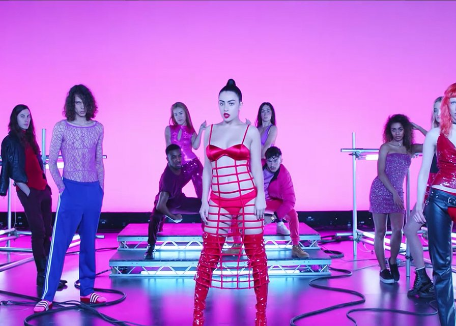 charli-xcx-sophie-vroom-video.jpg