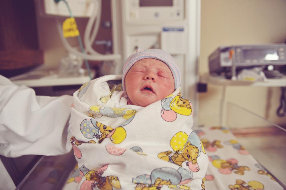 sadie hospital newborn photography