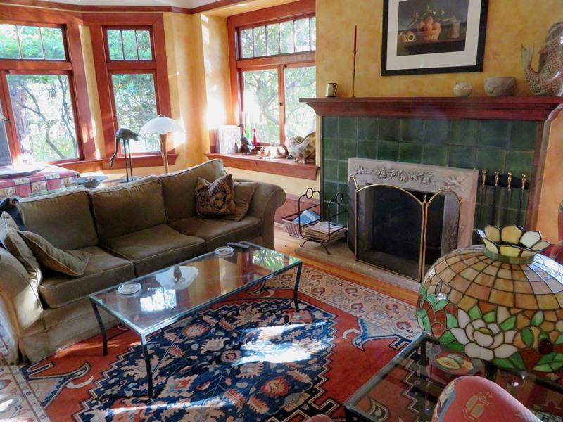 Smalley house interior 1.jpg
