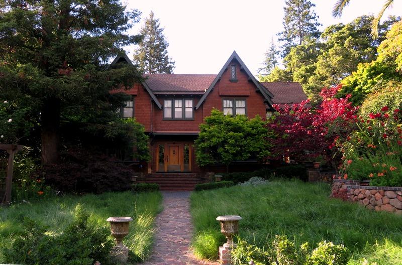 Smalley house exterior 1.jpg