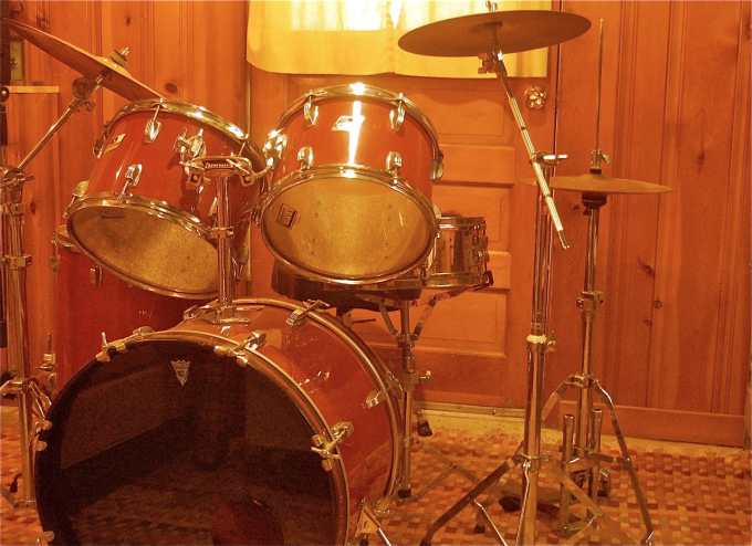 Drums: We have a set of Ludwig Rockers