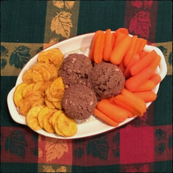 Liver with plantain chips and carrots