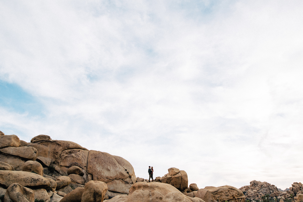 ©Isaiah & Taylor Photography - Destination Wedding Photographers - Joshua Tree, California Adventure Engagement-023.jpg