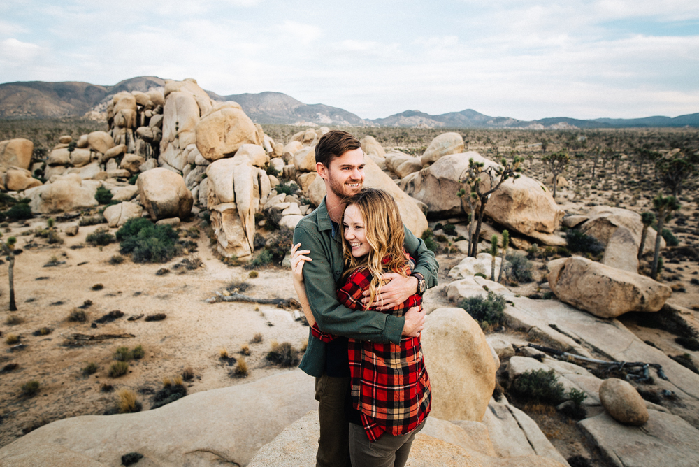 ©Isaiah & Taylor Photography - Destination Wedding Photographers - Joshua Tree, California Adventure Engagement-032.jpg