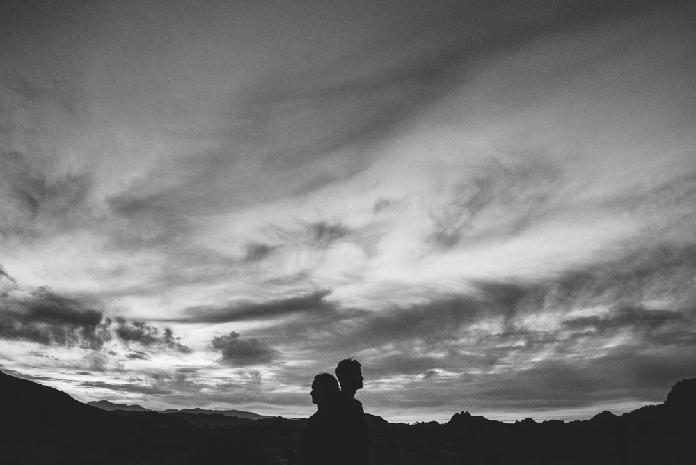 ©Isaiah & Taylor Photography - Destination Wedding Photographers - Joshua Tree, California Adventure Engagement-041.jpg