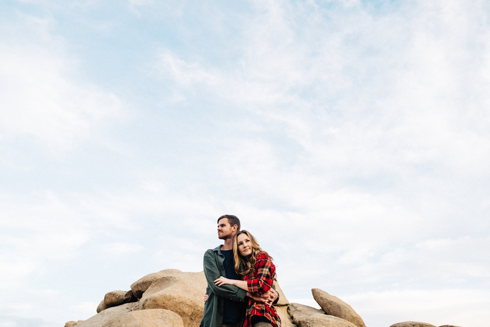 ©Isaiah & Taylor Photography - Destination Wedding Photographers - Joshua Tree, California Adventure Engagement-014.jpg