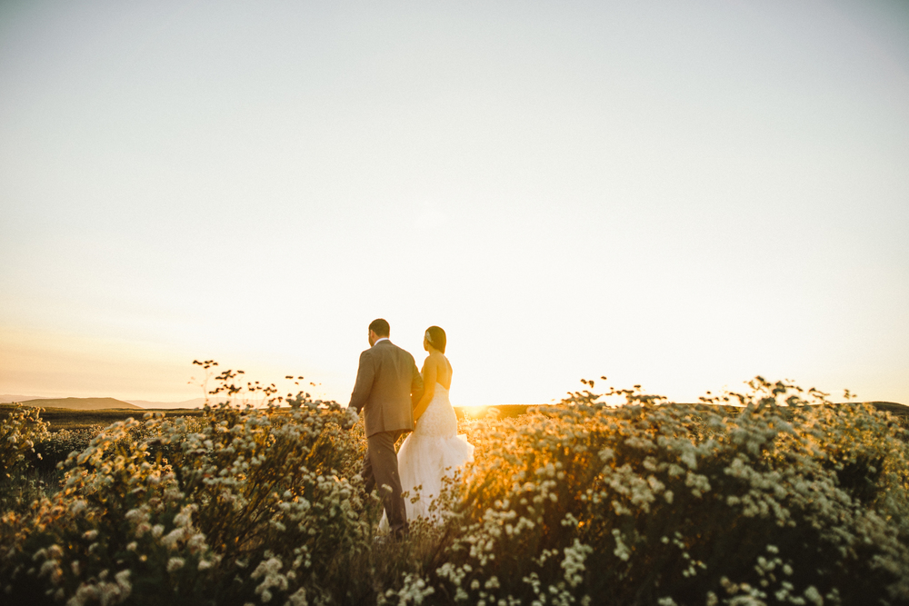 Isaiah & Taylor Photography - Destination Photographers - Temecula Winery Sunset Wedding-10.jpg