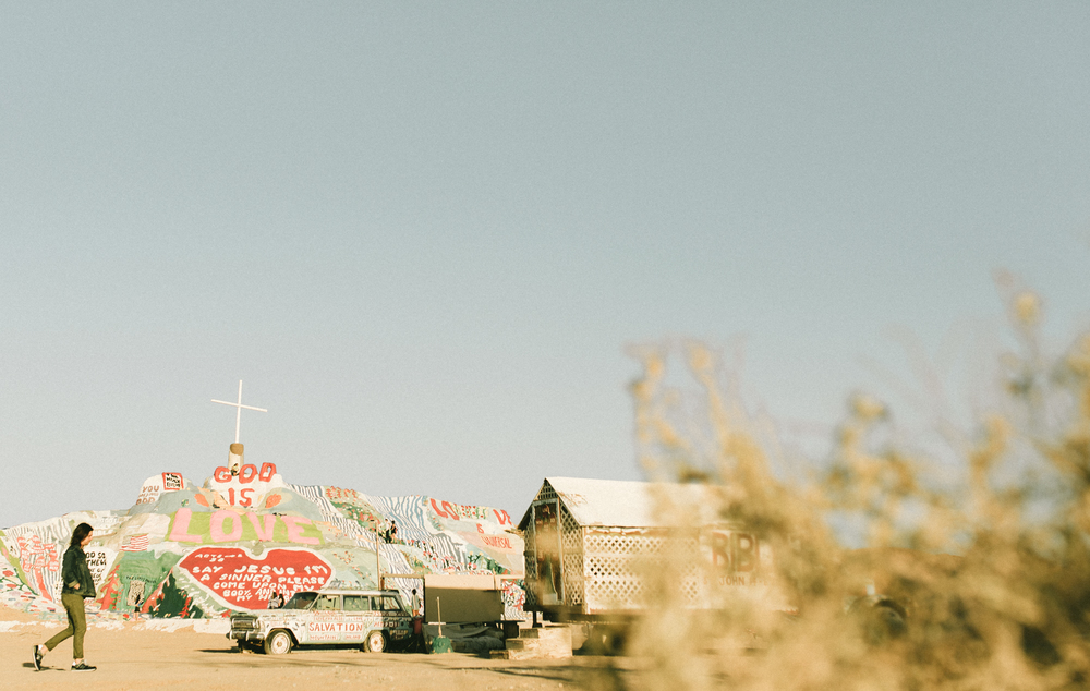 Isaiah & Taylor Photography - Los Angeles - Destination Wedding Photographers - Salvation Mountain, Indo California Desert Engagement-3.jpg