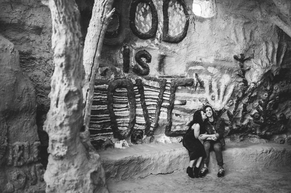 Isaiah & Taylor Photography - Los Angeles - Destination Wedding Photographers - Salvation Mountain, Indo California Desert Engagement-7.jpg