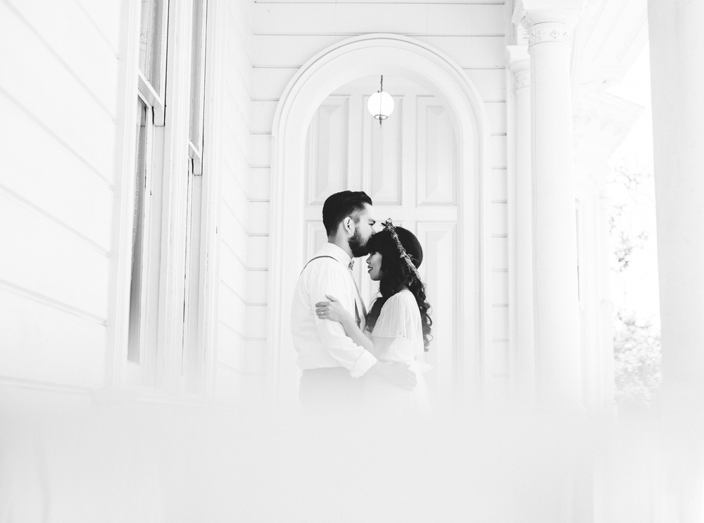 Isaiah & Taylor Photography - Los Angeles - Destination Wedding Photographers - Heritage Square Museum -36.jpg