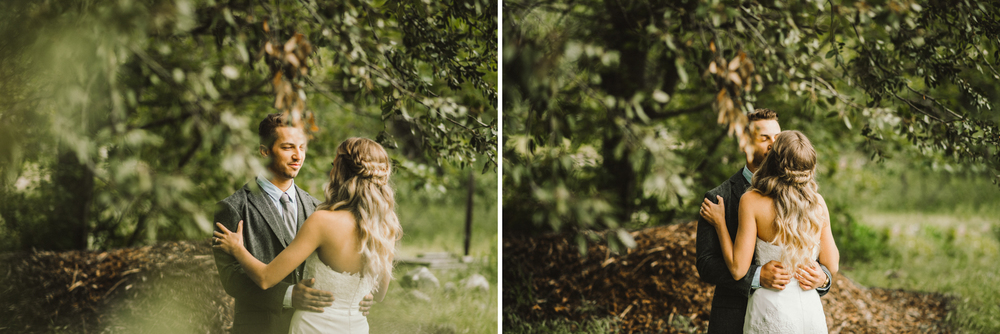 Isaiah & Taylor Photography - Los Angeles - Destination Wedding Photographers - Oak Glen Wilshire Ranch Foggy Forest Wedding-32.jpg