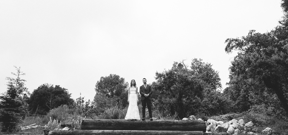 Isaiah & Taylor Photography - Los Angeles - Destination Wedding Photographers - Oak Glen Wilshire Ranch Foggy Forest Wedding-43.jpg