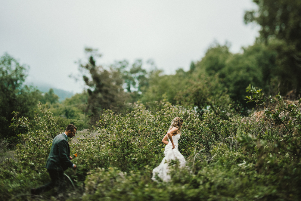 Isaiah & Taylor Photography - Los Angeles - Destination Wedding Photographers - Oak Glen Wilshire Ranch Foggy Forest Wedding-75.jpg