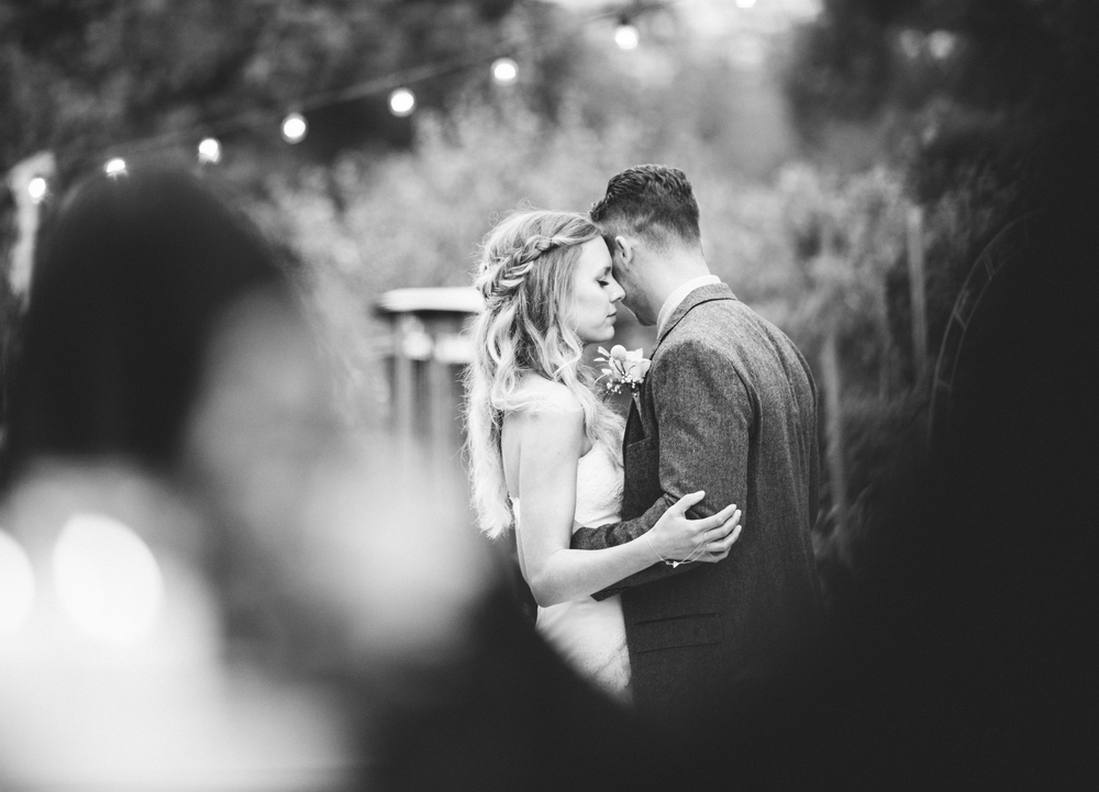 Isaiah & Taylor Photography - Los Angeles - Destination Wedding Photographers - Oak Glen Wilshire Ranch Foggy Forest Wedding-85.jpg