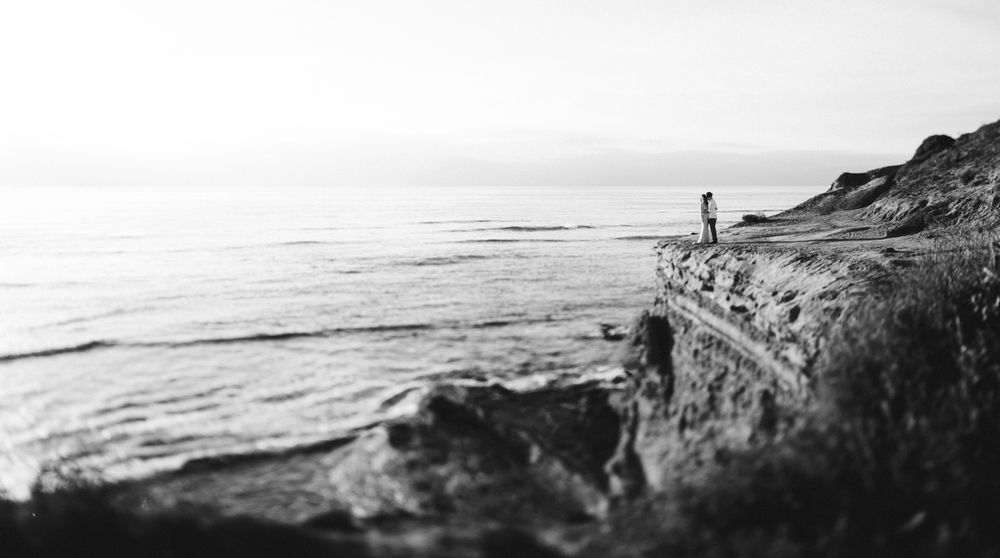 Isaiah & Taylor Photography - Los Angeles - Destination Wedding Photographers - San Diego Sunset Cliffs Beach Adventure Engagement-18.jpg