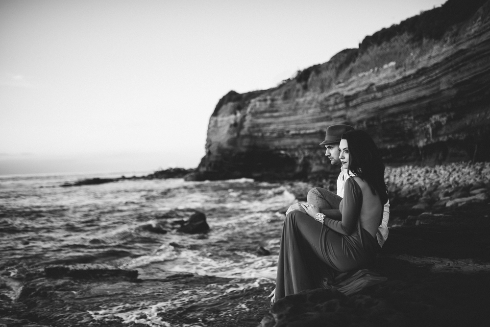 Isaiah & Taylor Photography - Los Angeles - Destination Wedding Photographers - San Diego Sunset Cliffs Beach Adventure Engagement-39.jpg