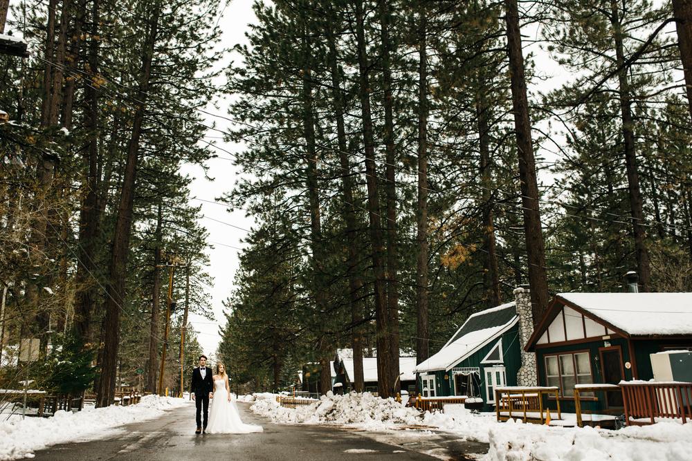 Winter cabin honeymoon big bear mountains isaiah for Snow cabins near los angeles