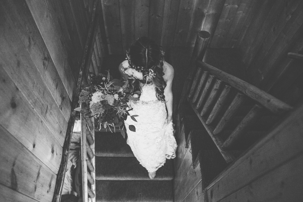 ©Isaiah & Taylor Photography - Pine Rose Cabin - Lake Arrowhead - Los Angeles Wedding Photographer-025.jpg