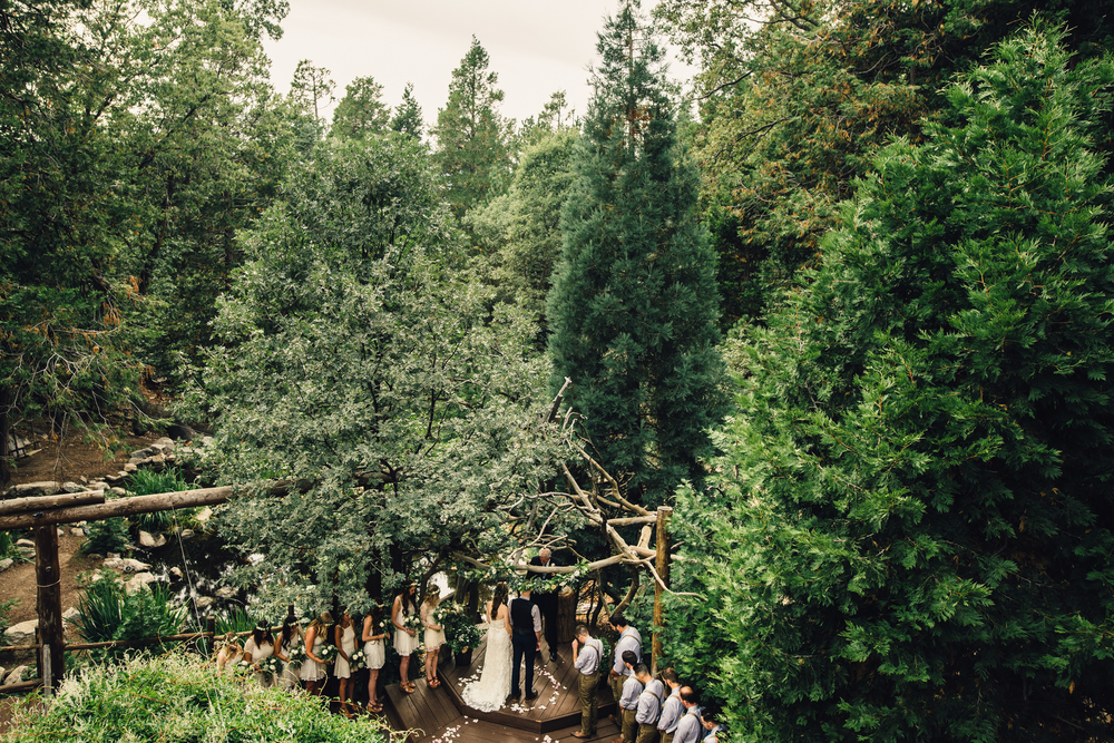 ©Isaiah & Taylor Photography - Pine Rose Cabin - Lake Arrowhead - Los Angeles Wedding Photographer-041.jpg