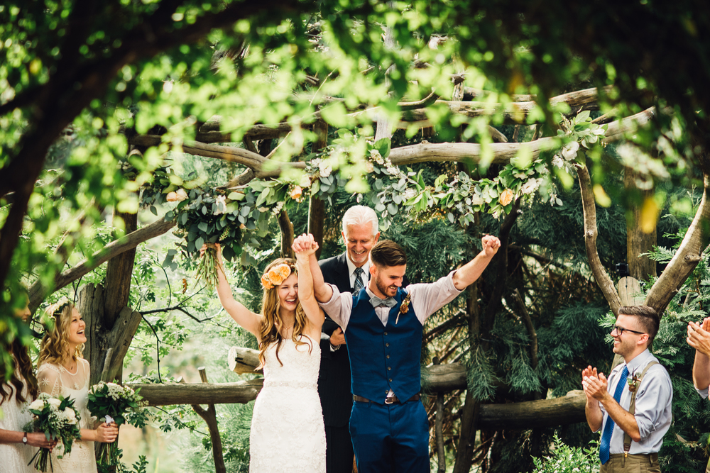 ©Isaiah & Taylor Photography - Pine Rose Cabin - Lake Arrowhead - Los Angeles Wedding Photographer-049.jpg