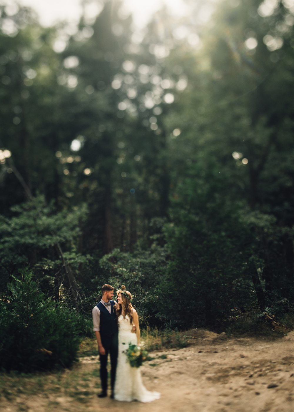 ©Isaiah & Taylor Photography - Pine Rose Cabin - Lake Arrowhead - Los Angeles Wedding Photographer-057.jpg