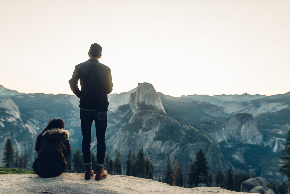 ©Isaiah & Taylor Photography - Los Angeles Destination Wedding Photographer - Yosemite National Park Hiking Adventure Engagement - Glacier Point Sunrise-002.jpg