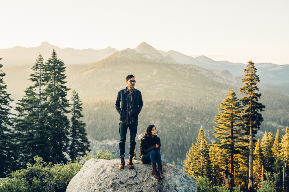 ©Isaiah & Taylor Photography - Los Angeles Destination Wedding Photographer - Yosemite National Park Hiking Adventure Engagement - Glacier Point Sunrise-011.jpg