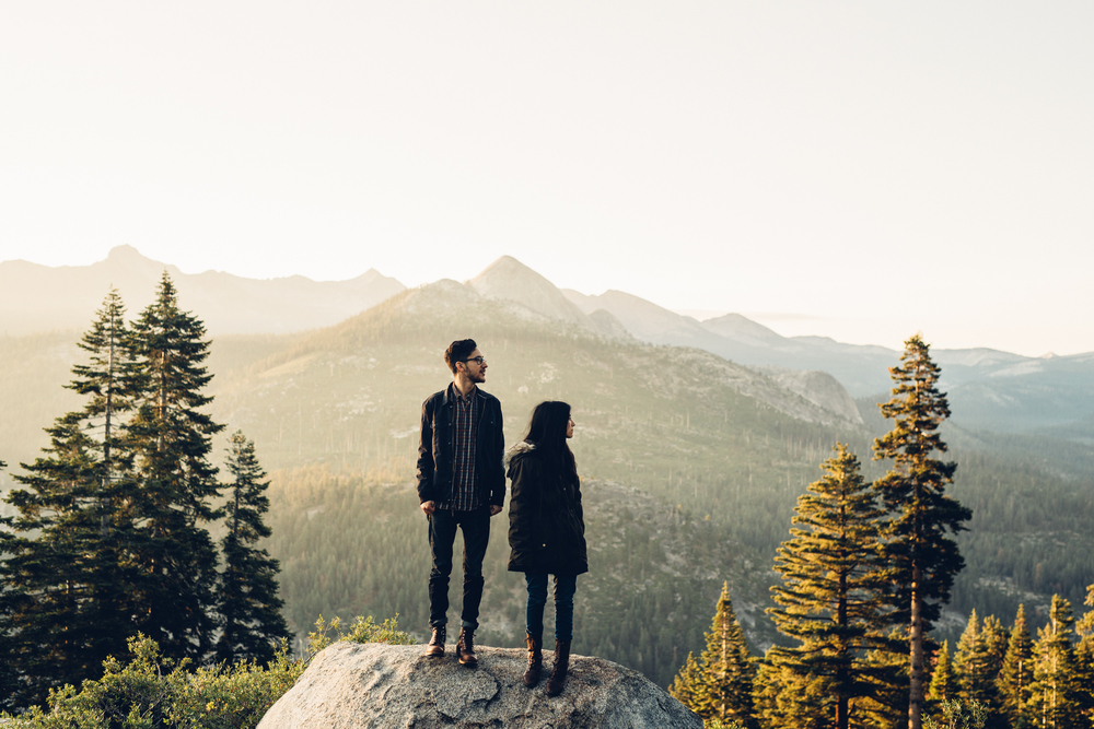 ©Isaiah & Taylor Photography - Los Angeles Destination Wedding Photographer - Yosemite National Park Hiking Adventure Engagement - Glacier Point Sunrise-012.jpg