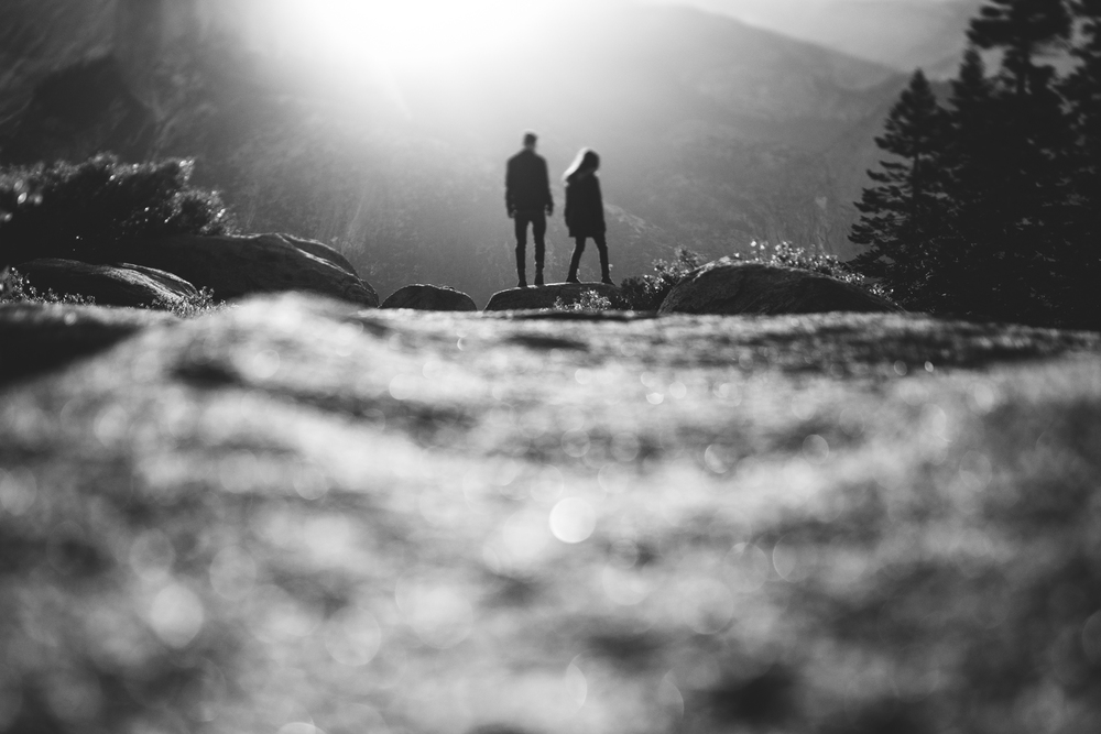 ©Isaiah & Taylor Photography - Los Angeles Destination Wedding Photographer - Yosemite National Park Hiking Adventure Engagement - Glacier Point Sunrise-014.jpg