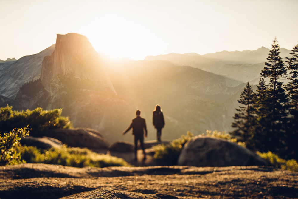 ©Isaiah & Taylor Photography - Los Angeles Destination Wedding Photographer - Yosemite National Park Hiking Adventure Engagement - Glacier Point Sunrise-018.jpg