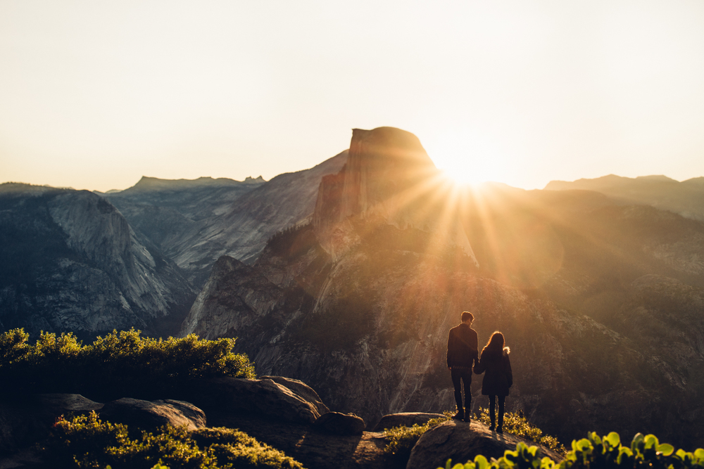 ©Isaiah & Taylor Photography - Los Angeles Destination Wedding Photographer - Yosemite National Park Hiking Adventure Engagement - Glacier Point Sunrise-019.jpg