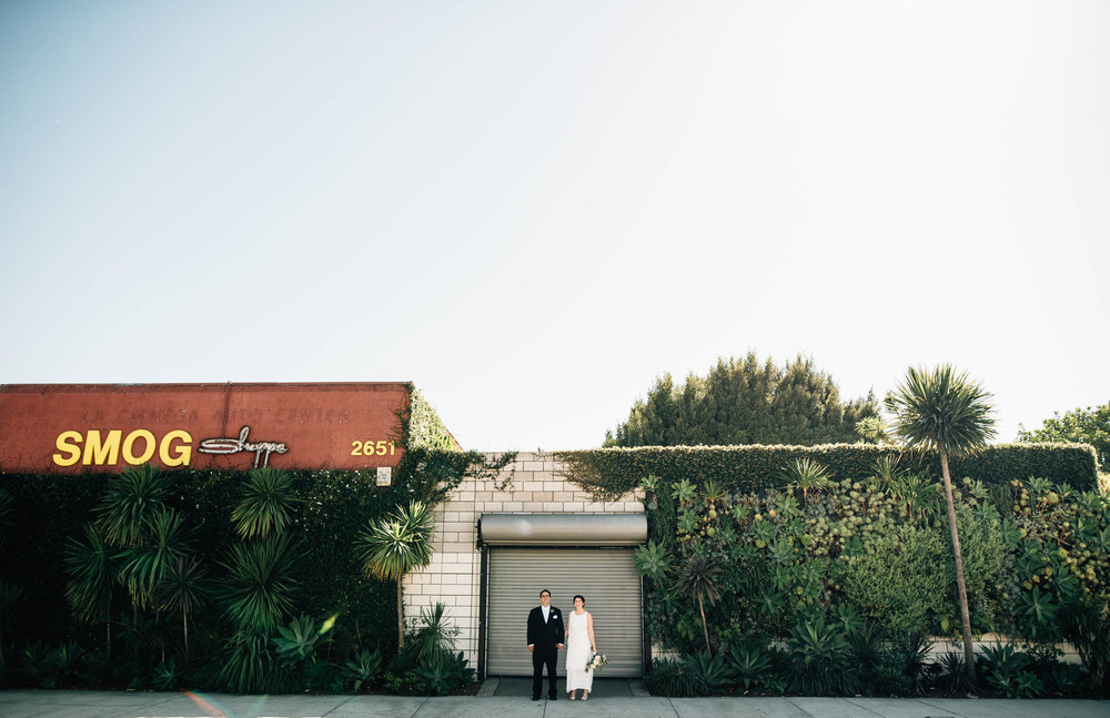 ©Isaiah & Taylor Photography - Los Angeles Wedding Photographer - Urban Downtown Warehouse Wedding- Smog Shoppe, Culver City-34.jpg