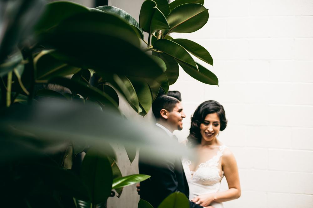 ©Isaiah & Taylor Photography - Los Angeles Wedding - Snoqualmie, Washington Honeymoon-002.jpg