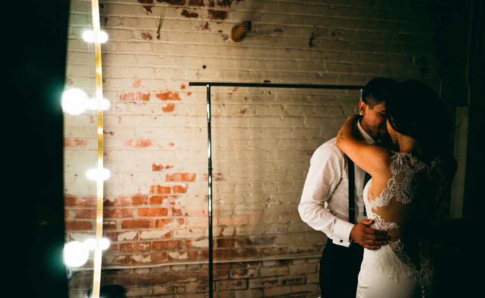 ©Isaiah & Taylor Photography - Los Angeles Wedding - Snoqualmie, Washington Honeymoon-003.jpg