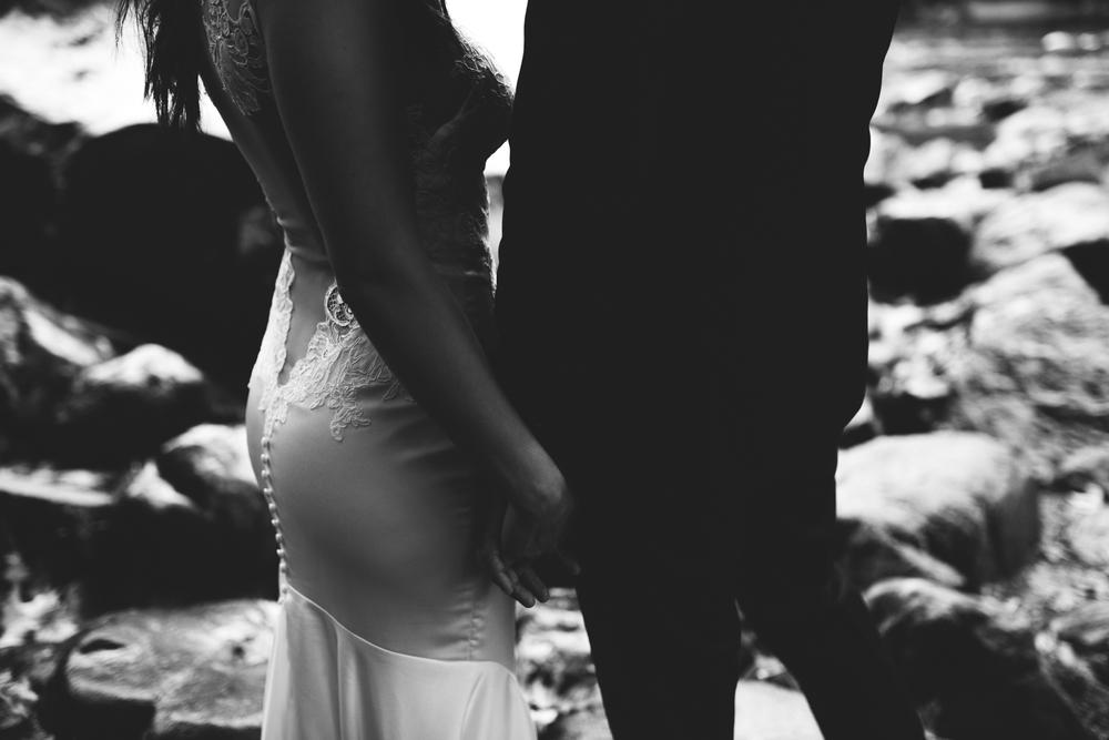 ©Isaiah & Taylor Photography - Los Angeles Wedding - Snoqualmie, Washington Honeymoon-018.jpg