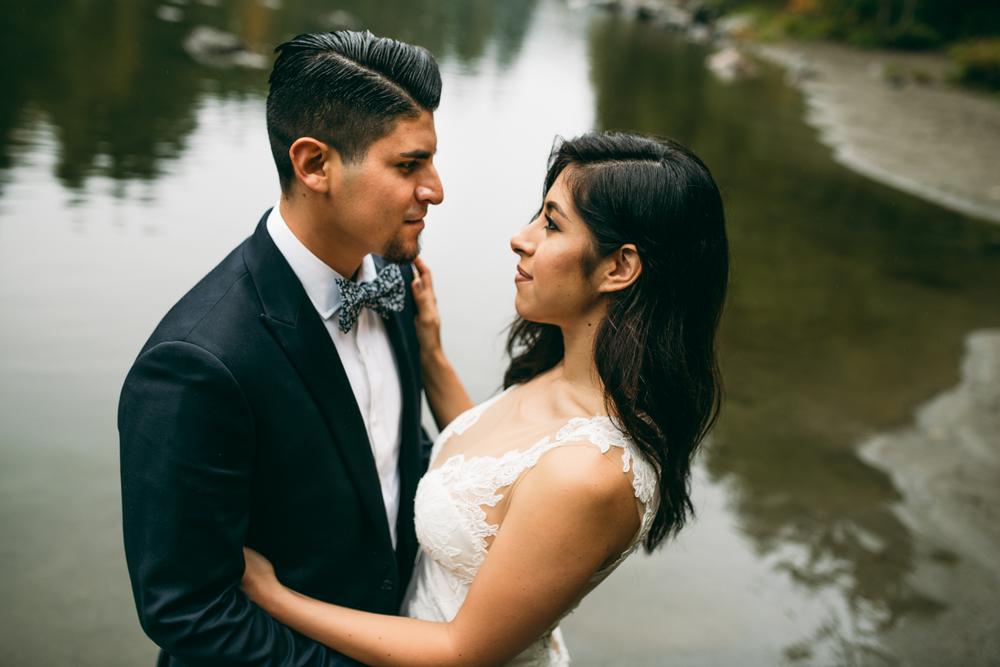 ©Isaiah & Taylor Photography - Los Angeles Wedding - Snoqualmie, Washington Honeymoon-027.jpg