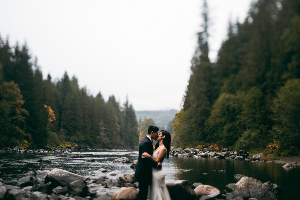 ©Isaiah & Taylor Photography - Los Angeles Wedding - Snoqualmie, Washington Honeymoon-030.jpg